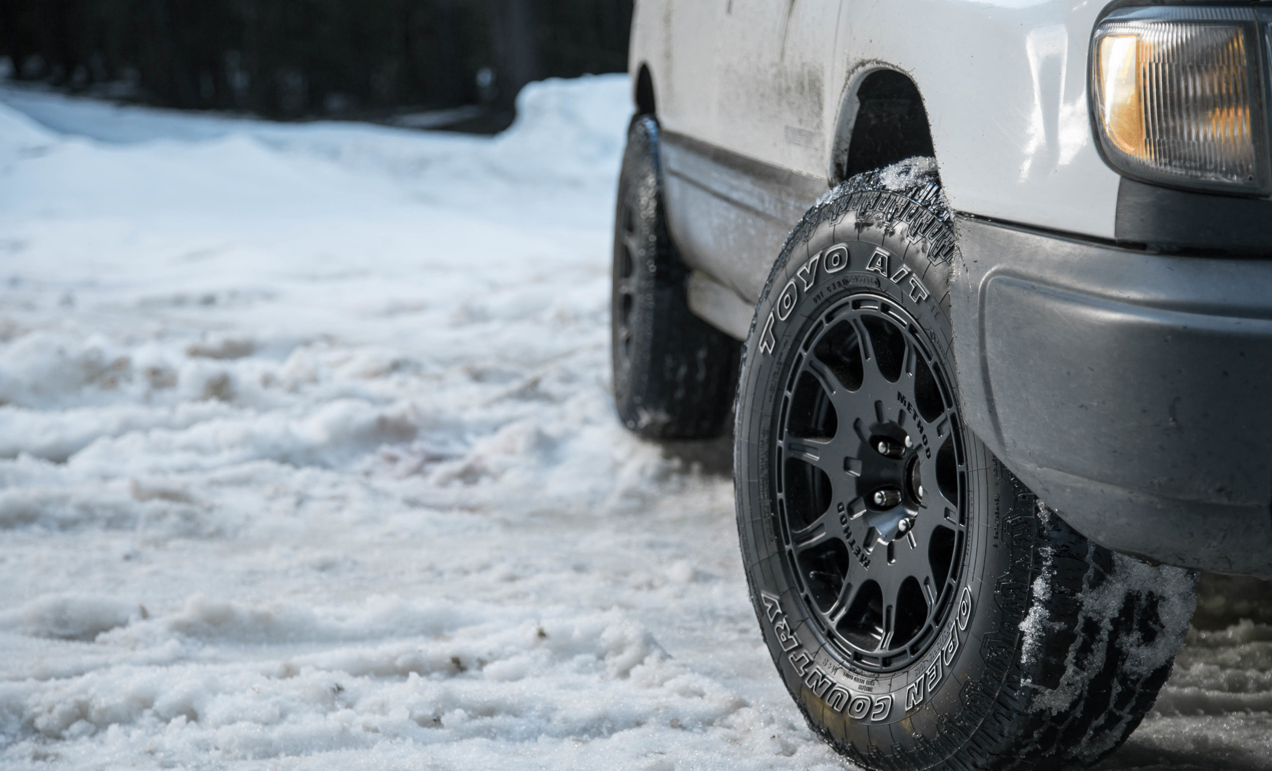 Subaru Forester with Toyo Open country tires in the snow