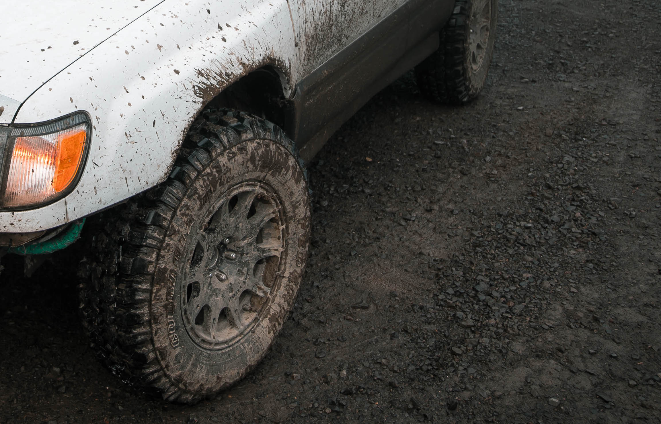 Method MR502 wheels on lifted Subaru Forester with mud tires